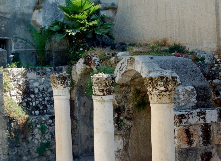 pillars still standing in Old Jerusalem (photo credit: Joe retsf on stock.xchng)